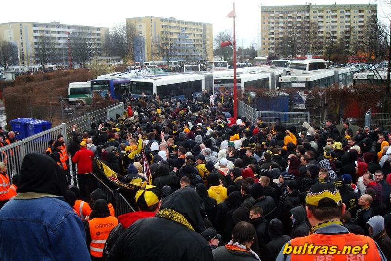 http://www.bultras.net/wp-content/gallery/09-03-28-braunschweig/Dsc03314.jpg